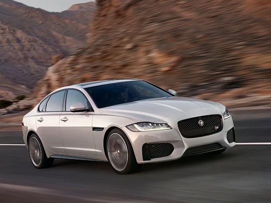 "Christian Grau om den nye Jaguar XF: ""Det var kattens"""